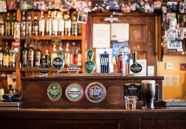 Enjoy the Luck of the Irish Near 14W at Duff's Irish Pub